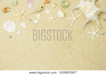 Table Top View Aerial Image Of Summer & Travel Beach Holiday In The Season Background Concept.flat L