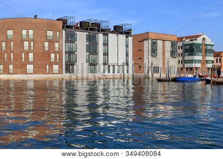 Apartments On The Waterfront In Giudecca Italy