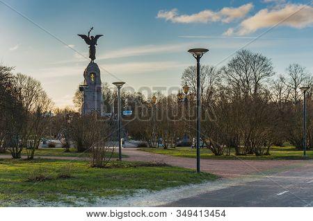 Tallinn, Estonia - 01.05.20: Monument To The Battleship Rusalka In The Area Of Kadriorg Park