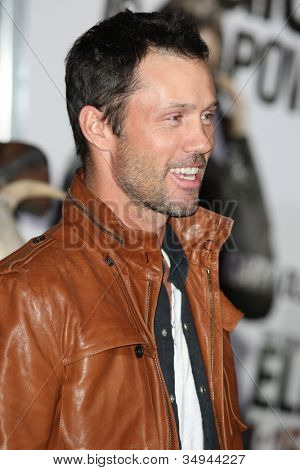 HOLLYWOOD - JAN 11:  Jeffrey Donovan from Burn Notice attends The Book of Eli premiere on January 11 2010 at Grauman's Chinese Theater in Hollywood, California.