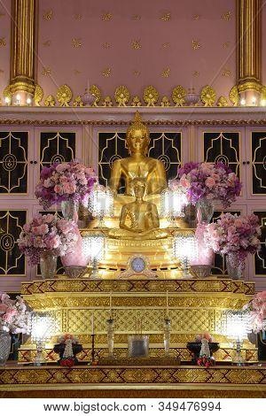 Bangkok, Thailand -january 30, 2020: Phra Buddha Pradipavarodaya And Phra Buddha Angkhiros Noi The P