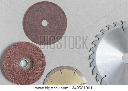 Blur Circular Saw Blades For Wood Have Teeth Of Serrated Blades All Around And Concrete Cutting Disc