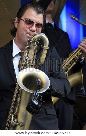 Koen Schouten Plays Baritone Sax
