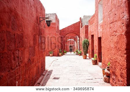2019-12-03 Monastery Of Santa Catalina, Arequipa, Peru. In The Center Of The Room Stands A Man