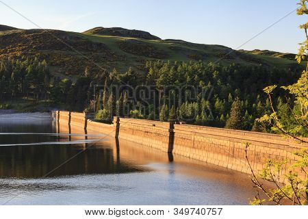 Haweswater Dam.  Haweswater Reservoir And Dam Lie In The English Lake District National Park.  Const