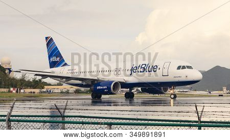 Simpson Bay, St. Maarten - November 4: A Plane From Budget Airline Jetblue Prepares To Take Off From