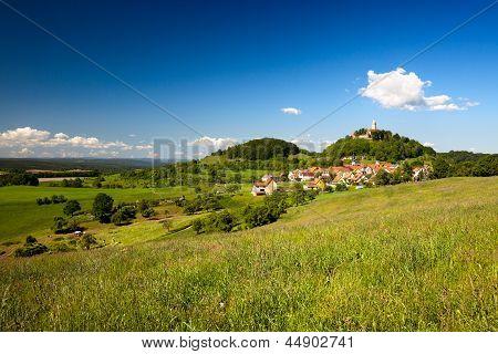 Landschaft mit Burg Leuchtenburg