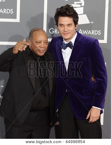 LOS ANGELES - FEB 10:  Quincy Jones & John Mayer arrives to the Grammy Awards 2013  on February 10, 2013 in Los Angeles, CA.