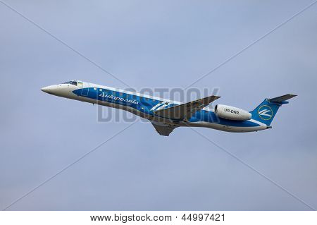 BUDAPEST, HUNGARY - MAY 5: Dniproavia aircraft climbing near Budapest Liszt Ferenc Airport, May 5th 2012. Dniproavia ceased all operations in early 2013
