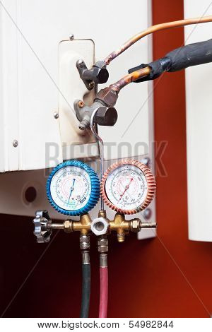 Gauge Hang On Air Condition