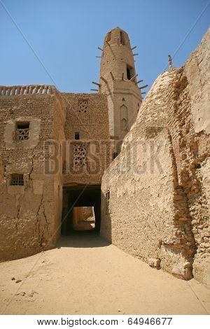 Old part (citadel) of desert town Mut in Dakhla oazis in Egypt, people still live here