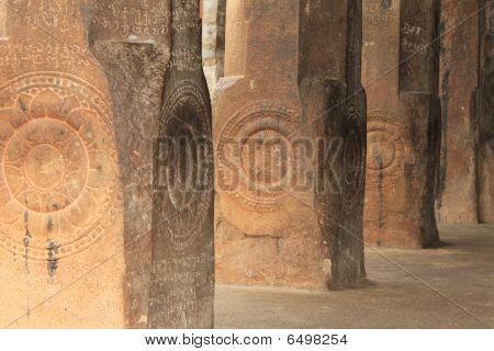 Hindu temple pillar