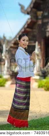 Girls With Thai Northern Style In Sawasdee Action