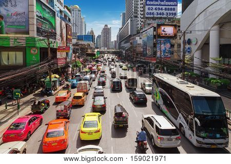BANGKOKOct 22: Petchaburi Road in thr Pratunam District of Bangkok . The road is one of Bangkok's busiest for traffic.Thailand on Oct 22 2016.