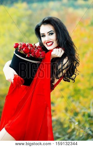 Sexy Smiling Girl With Red Roses
