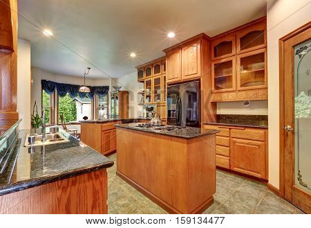 Beautiful Custom Designed Kitchen Room With Gorgeous Granite.