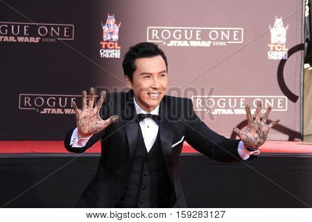 LOS ANGELES - DEC 1:  Donnie Yen at the Donnie Yen Hand And Footprint Ceremony at TCL Chinese Theater IMAX on December 1, 2016 in Los Angeles, CA