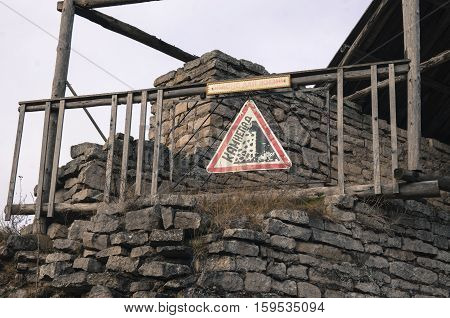 The collapsing a fortification with the sign