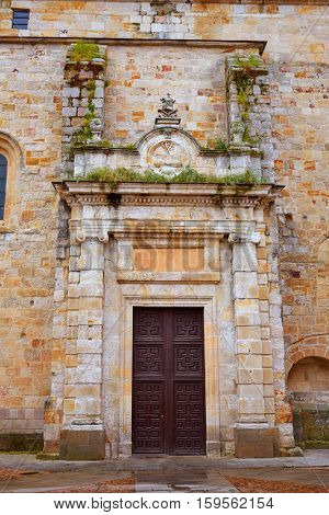 San Pedro Ildefonso church in Zamora of Spain exterior image shot from public floor