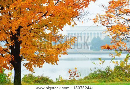 Washington DC in Autumn - Lincoln Memorial in a misty day
