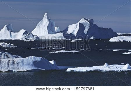 Antarrctica, ice bergs and sea