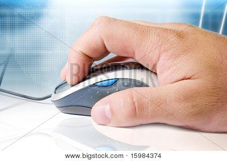 Maus, Hand und Hightech-Hintergrund