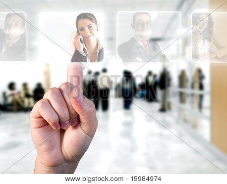 Conceito de recursos humanos / mão escolher funcionários opções