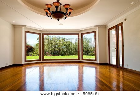 leere grosses Wohnzimmer