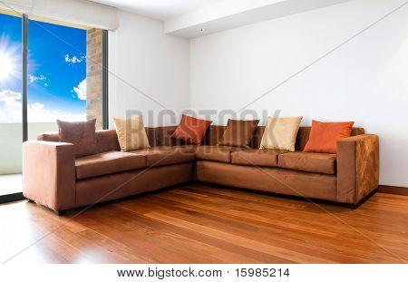 Sala de estar com sofá grande - design de interiores