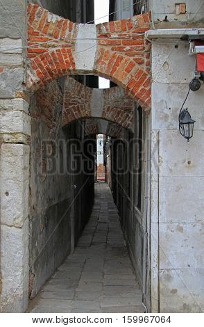 the narrow passage in Venice the city of water