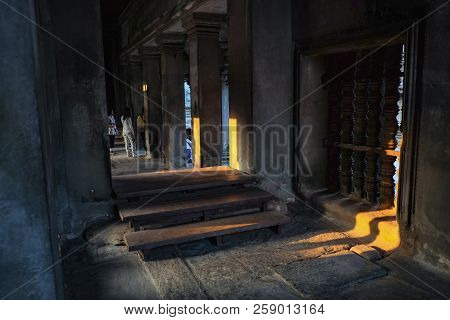 Inside Of Ankor Wat Temple Siem Reap Cambodia,wonder Of The World