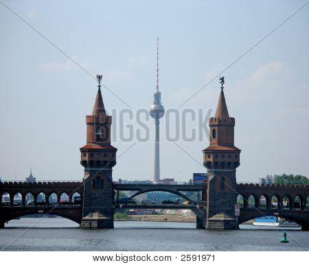 Oberbaum Bridge