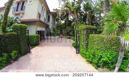 The House At Center Of Palm Beach, Florida At United States