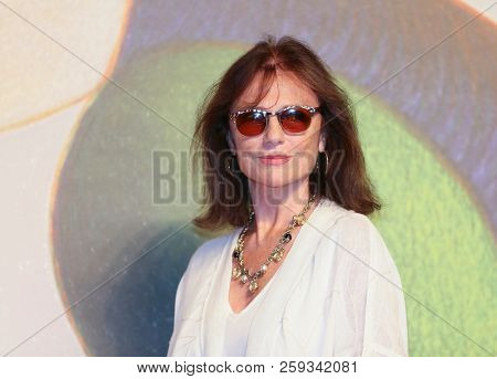 Jacqueline Bisset  attends 'Magic Lantern' red carpet during the 75th Venice Film Festival at  Sala Giardino on September 4, 2018 in Venice, Italy.