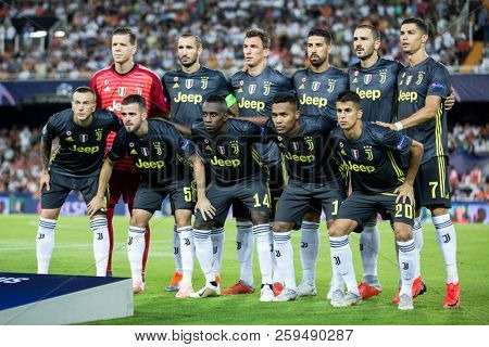 VALENCIA, SPAIN - SETEMBER 19: Juve team during UEFA Champions League match between Valencia CF and Juventus at Mestalla Stadium on September 19, 2018 in Valencia, Spain