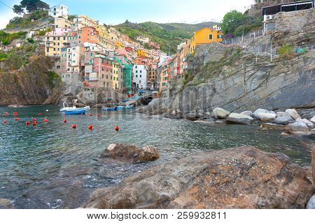 Riomaggiore Seaside Village Traditional  Housing Built Up Both Hillsides Of Valley Seaside Village O