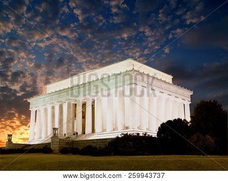 The Lincoln Memorial In Washington Dc, Usa