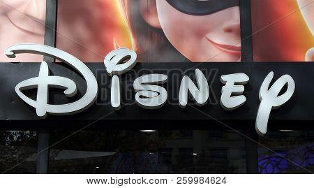 Letters Disney On A  Shop In Paris