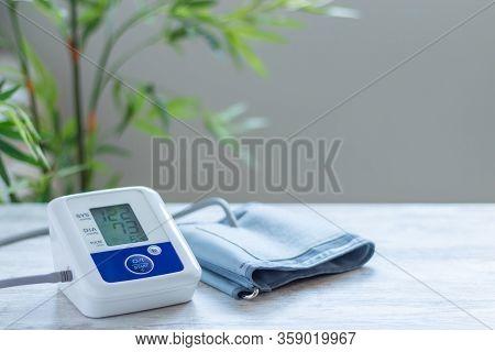 Digital Blood Pressure Monitor For Blood Pressure Control