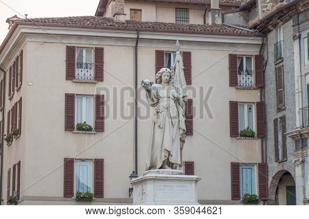 Lombardy, Italy - August 1 2018: The Close Up View Of The Monument To Bella Italia In Piazza Della L