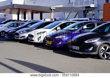 Bordeaux , Aquitaine / France - 11 13 2019 :  Ford Car Dealership Used Car For Sale Parked Automobil