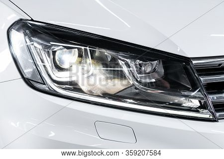 Novosibirsk, Russia - February 09 , 2020 Volkswagen Touareg, Detail Light Close Up Of On New Car. Ex