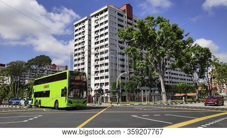Singapore-01 Apr, 2020: Smrt Bus Travel On The Singapore Street On In Singapore. Smrt Buses Is A Bus