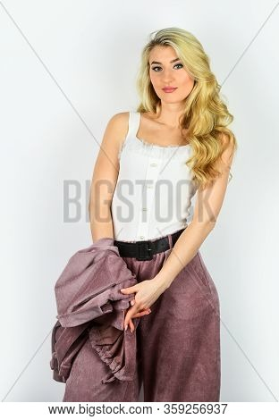Perfect Design. Sexy Blonde With Elegant Makeup. Fashion And Beauty. Pretty Woman After Hairdresser