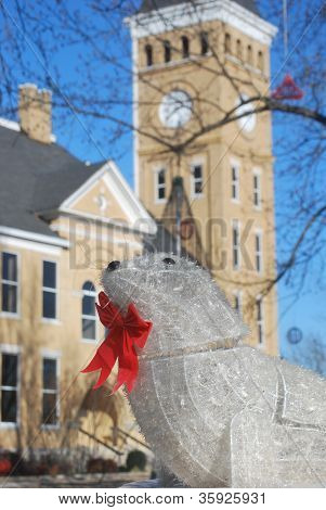 White seal adorns courthouse grounds