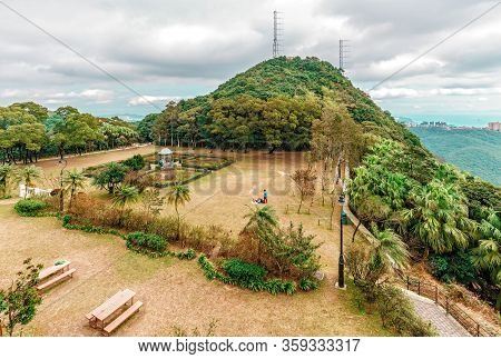 Hong Kong, China - January 12, 2016: Landscaped Park On Top Of Victoria Peak On Hong Kong Island In
