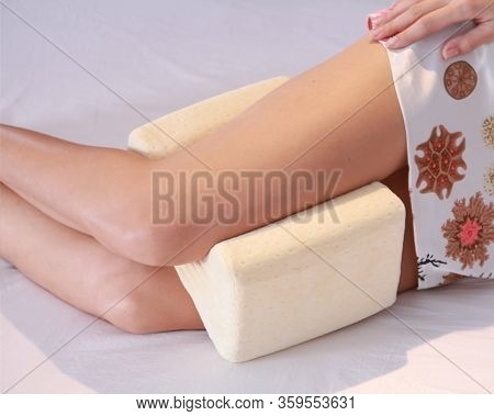 Orthopedic Leg Pillow, Orthopedic Foot Pillow With Memory Effect. Comfort Memory Pillow Under The He