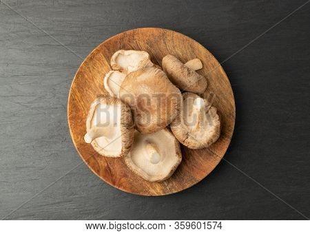 Fresh Shiitake Mushrooms, Raw Shitake, Healthy Organic Asian Fungi