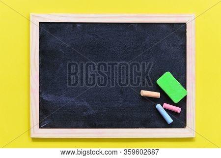 Blackboard Dark Or Chalkboard With Horizontal And Banner / Blackboard Texture Chalk And Eraser Writi
