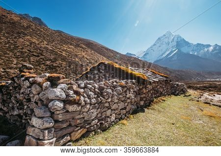 Picturesque View Tibetan Habitation And Stone Fence Near The Pheriche Village In The Khumbu Region I